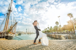 Photo by wade Spain Barcelona overseas pre-wedding